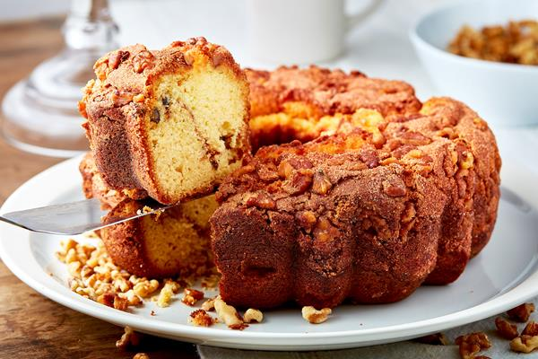Cinnamon Walnut Coffee Cake and Tins For Every Occasion