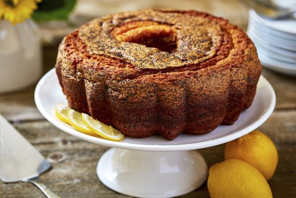Lemon Poppy Coffee Cake and Tins For Every Occasion